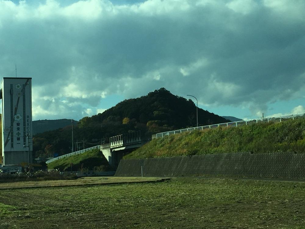 弘法山 ピラミッド